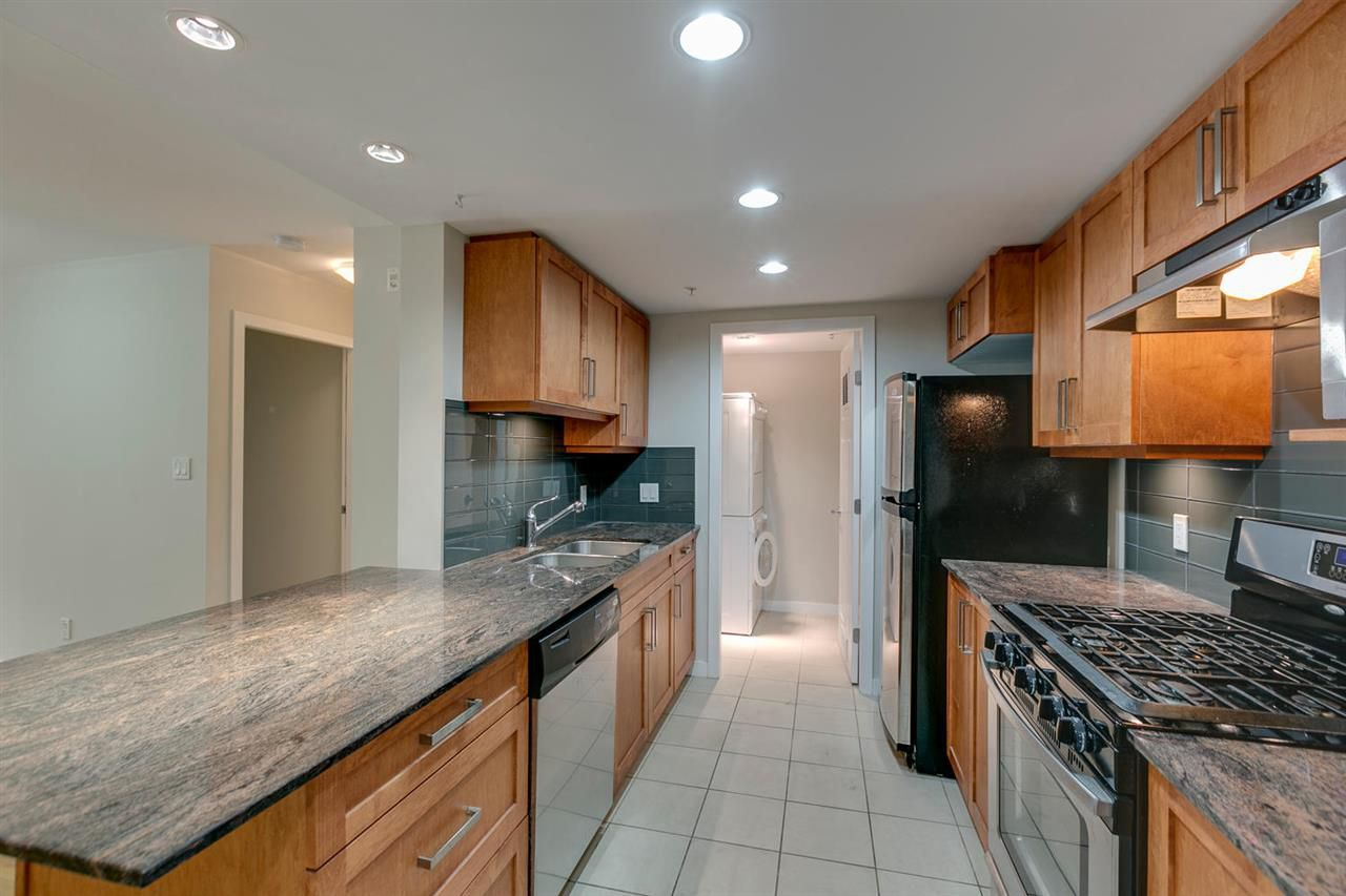 Main Photo: 204 1212 MAIN Street in Squamish: Downtown SQ Condo for sale : MLS®# R2201656