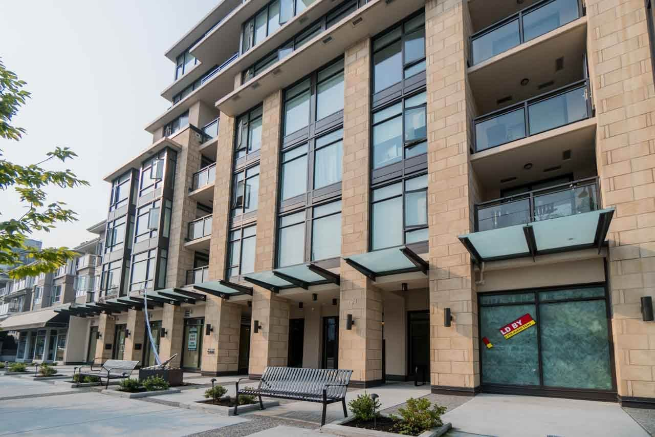 """Main Photo: 105 131 E 3RD Street in North Vancouver: Lower Lonsdale Condo for sale in """"The Anchor"""" : MLS®# R2212513"""