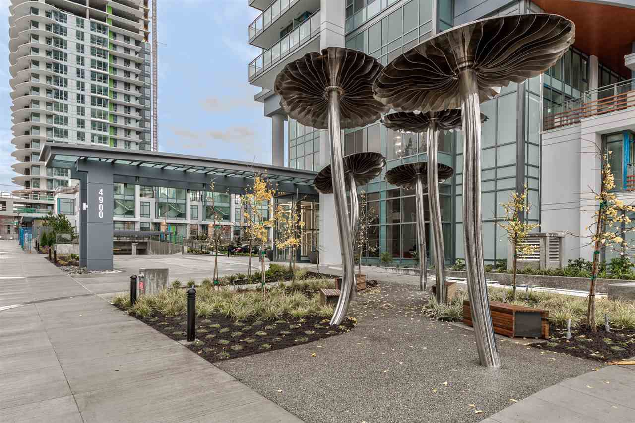 "Main Photo: 1705 4900 LENNOX Lane in Burnaby: Metrotown Condo for sale in ""THE PARK"" (Burnaby South)  : MLS®# R2223215"