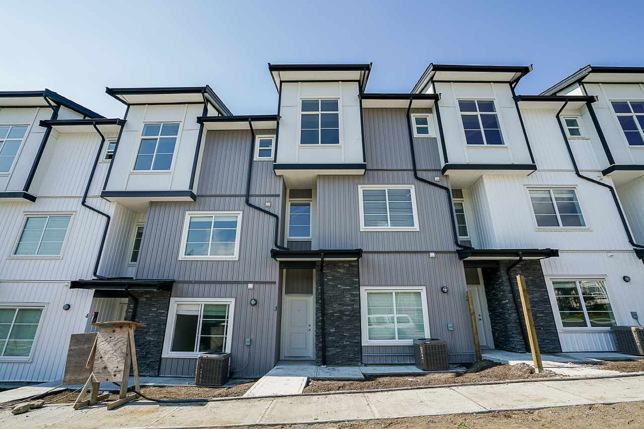 Main Photo: 27 5867 129 Street in Surrey: Panorama Ridge Townhouse for sale : MLS®# R2228472