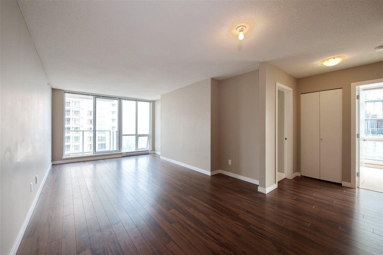 Main Photo: 3009 13688 100 AVENUE in Surrey: Whalley Condo for sale (North Surrey)  : MLS®# R2194334