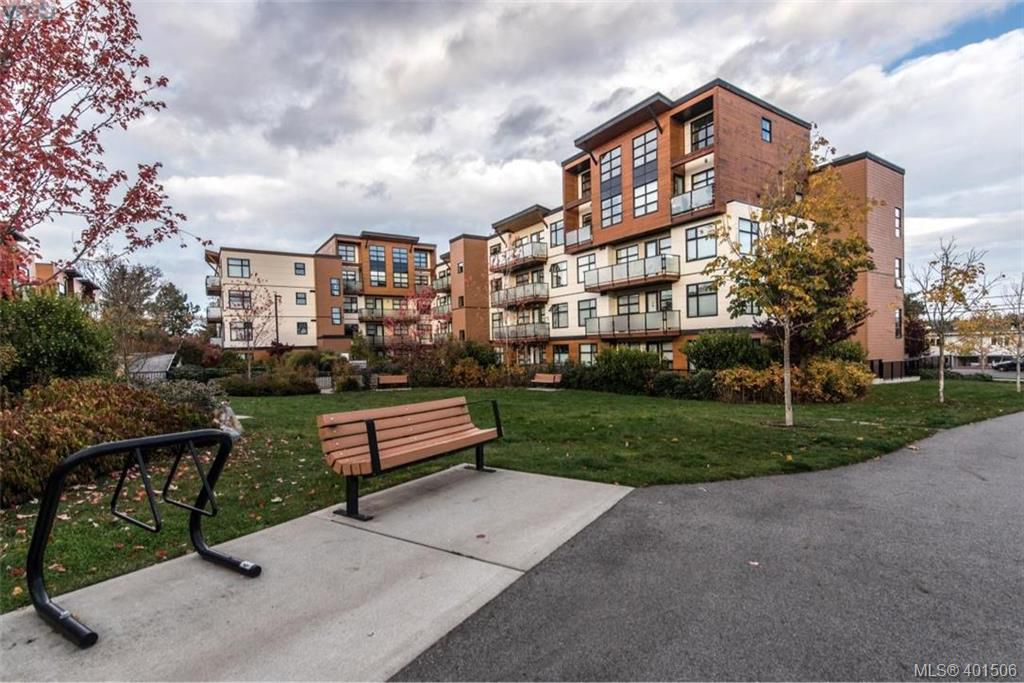Main Photo: 417 4000 Shelbourne Street in VICTORIA: SE Mt Doug Condo Apartment for sale (Saanich East)  : MLS®# 401506