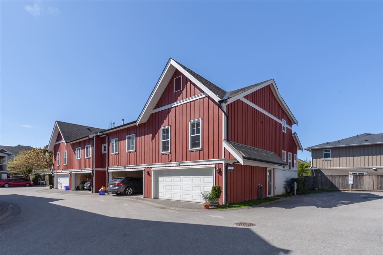 "Main Photo: 32 12251 NO. 2 Road in Richmond: Steveston South Townhouse for sale in ""NAVIGATORS COVE"" : MLS®# R2362504"