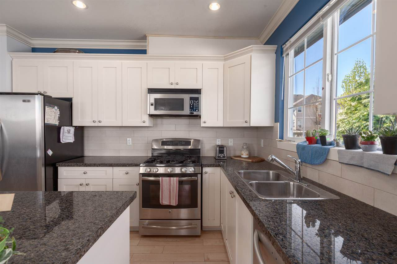 """Main Photo: 32 12251 NO. 2 Road in Richmond: Steveston South Townhouse for sale in """"NAVIGATORS COVE"""" : MLS®# R2362504"""