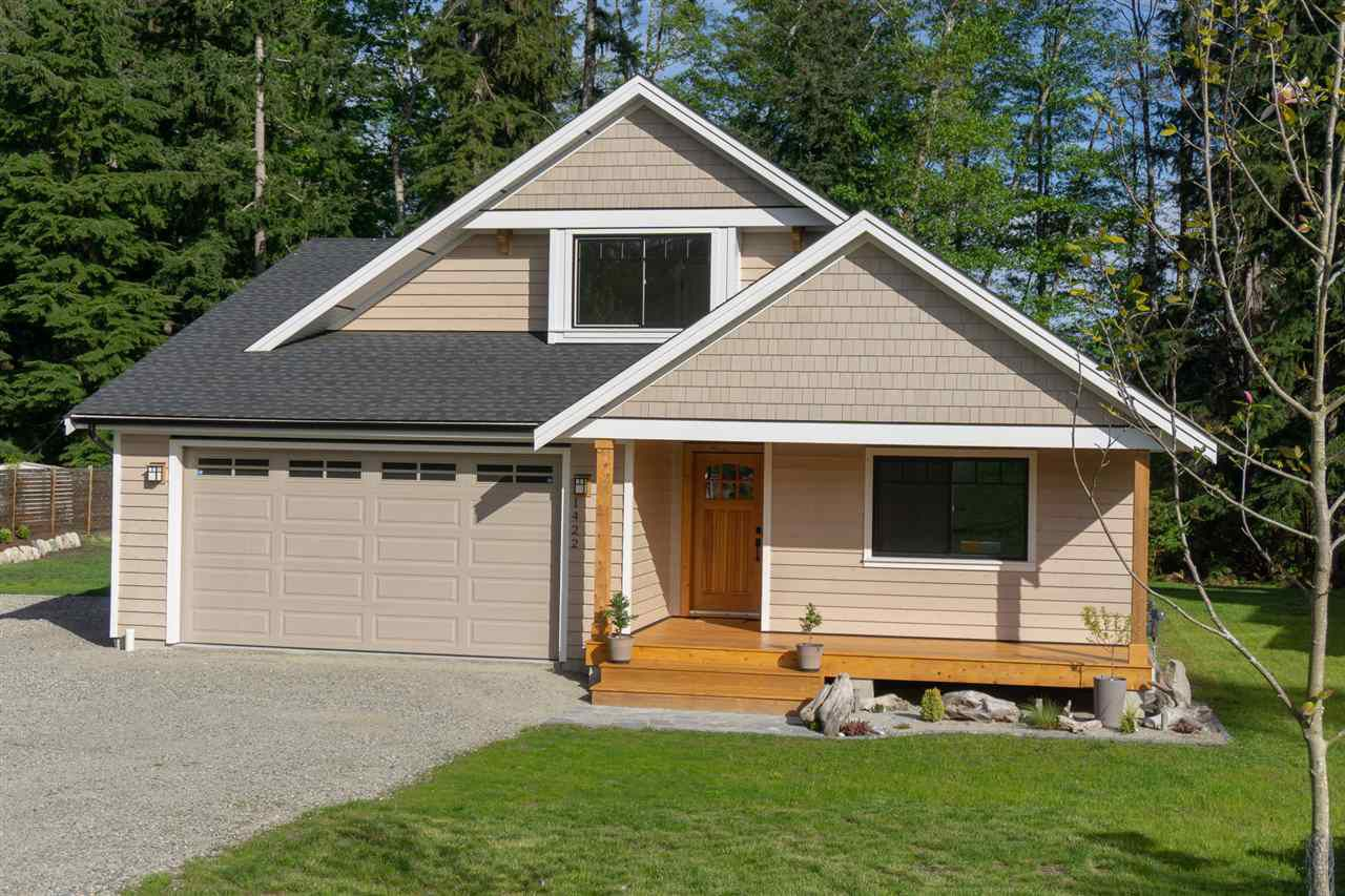 """Main Photo: 1422 STARDUST Place in Gibsons: Gibsons & Area House for sale in """"GEORGIA CREST"""" (Sunshine Coast)  : MLS®# R2367276"""