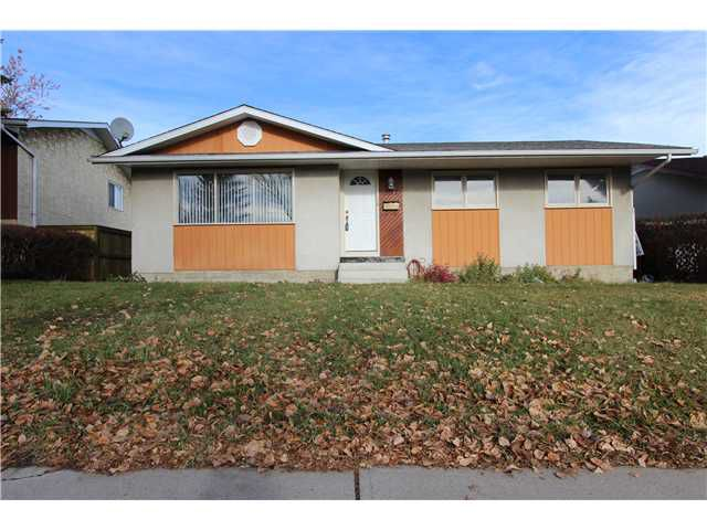 Main Photo: 5212 5 Avenue SE in Calgary: Forest Heights Residential Detached Single Family for sale : MLS®# C3642788
