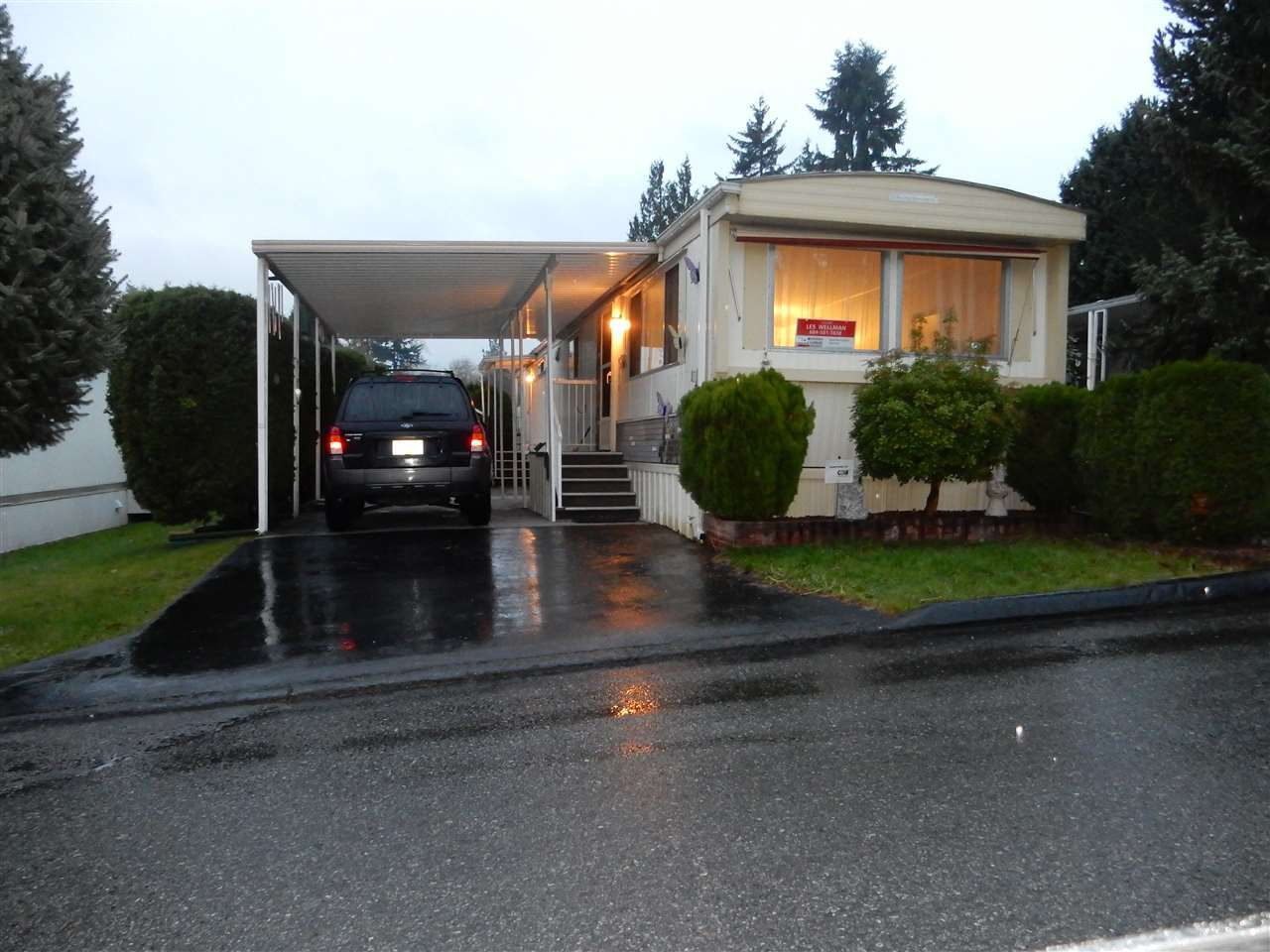 """Main Photo: 33 7790 KING GEORGE Boulevard in Surrey: East Newton Manufactured Home for sale in """"CRISPEN BAYS"""" : MLS®# R2017172"""