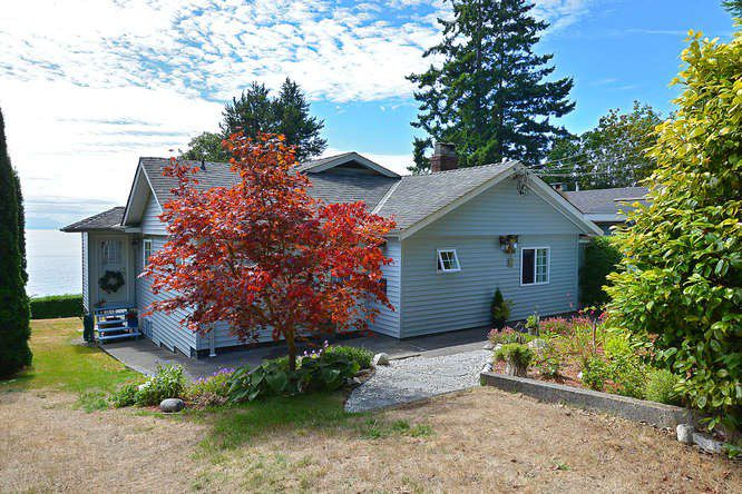 Photo 1: Photos: 2739 LOWER Road: Roberts Creek House for sale (Sunshine Coast)  : MLS®# R2028833