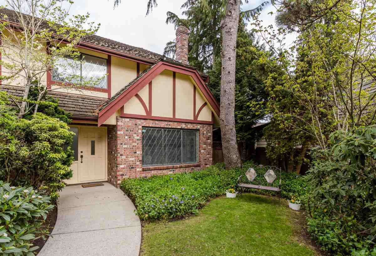 """Main Photo: 6611 WHITEOAK Drive in Richmond: Woodwards House for sale in """"PARK LANE WEST"""" : MLS®# R2055109"""