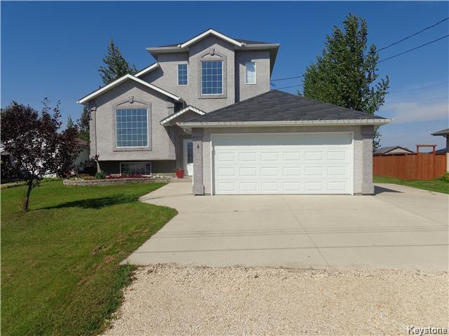 Main Photo: 4 SISKIN Bay in Landmark: R05 Residential for sale : MLS®# 1709142