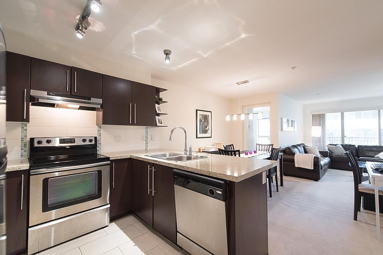 """Main Photo: 204 2088 BETA Avenue in Burnaby: Brentwood Park Condo for sale in """"MEMENTO"""" (Burnaby North)  : MLS®# R2223254"""