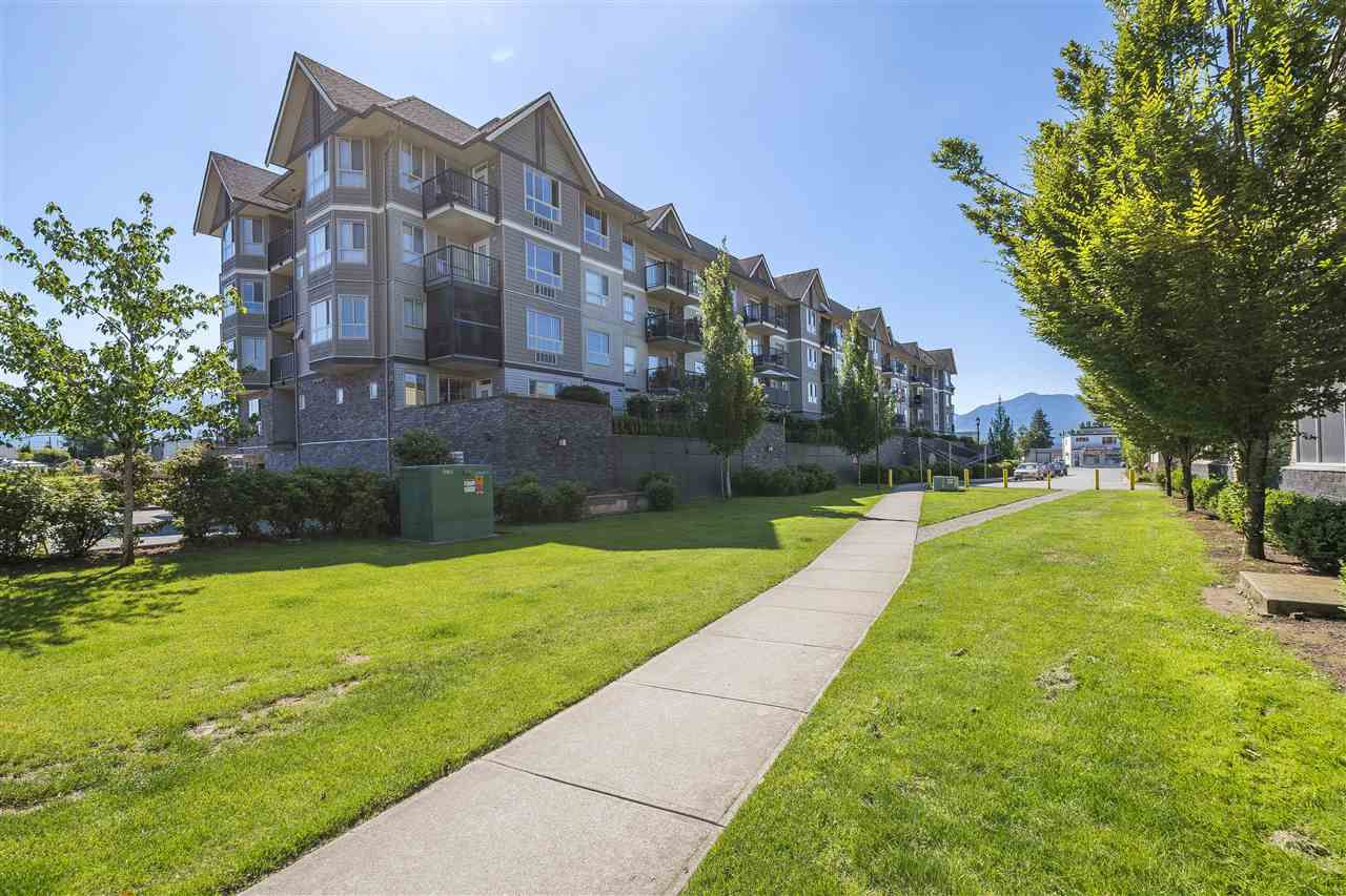 Main Photo: 105 9000 BIRCH Street in Chilliwack: Chilliwack W Young-Well Condo for sale : MLS®# R2289190