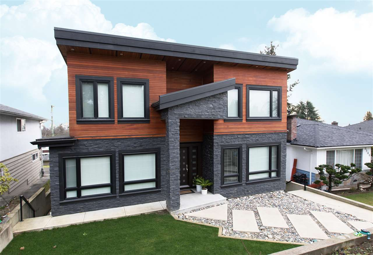 Main Photo: 2372 HARRISON Drive in Vancouver: Fraserview VE House for sale (Vancouver East)  : MLS®# R2337633