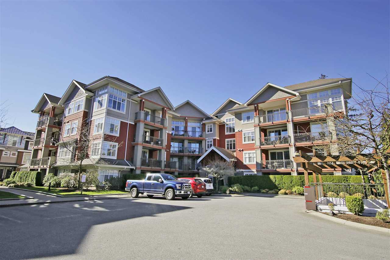 """Main Photo: 403A 45595 TAMIHI Way in Sardis: Vedder S Watson-Promontory Condo for sale in """"Hartford Park"""" : MLS®# R2350269"""