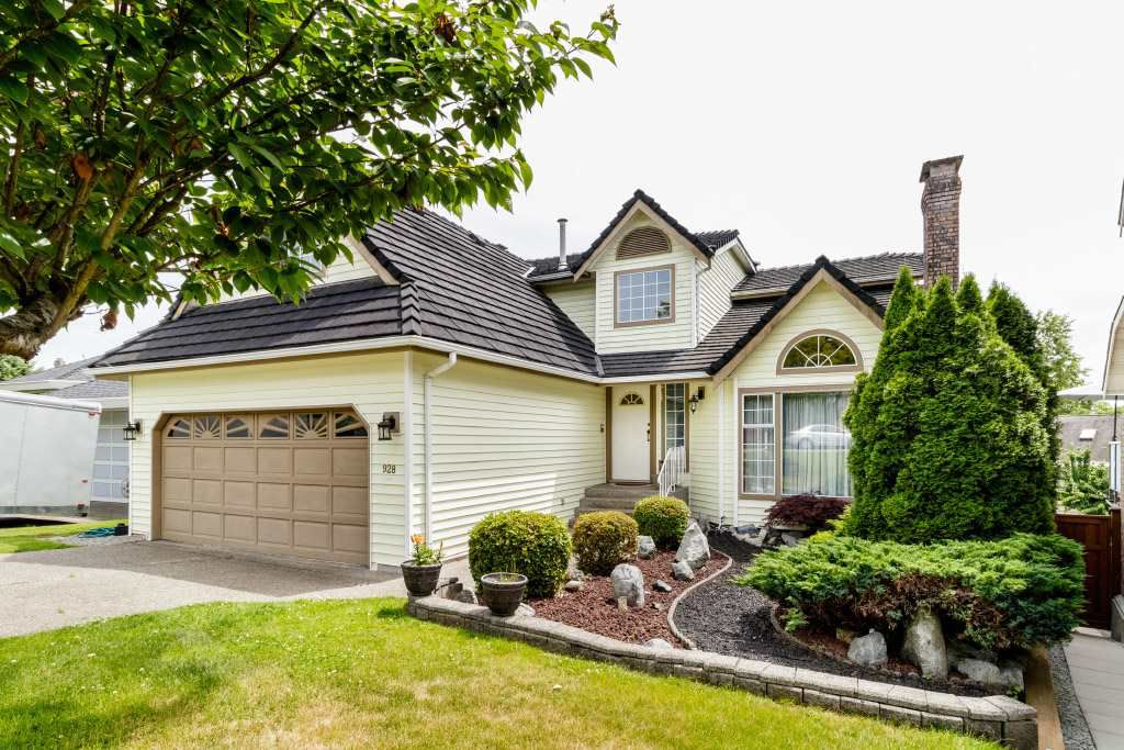 """Main Photo: 928 MOODY Court in Port Coquitlam: Citadel PQ House for sale in """"CITADEL"""" : MLS®# R2378958"""