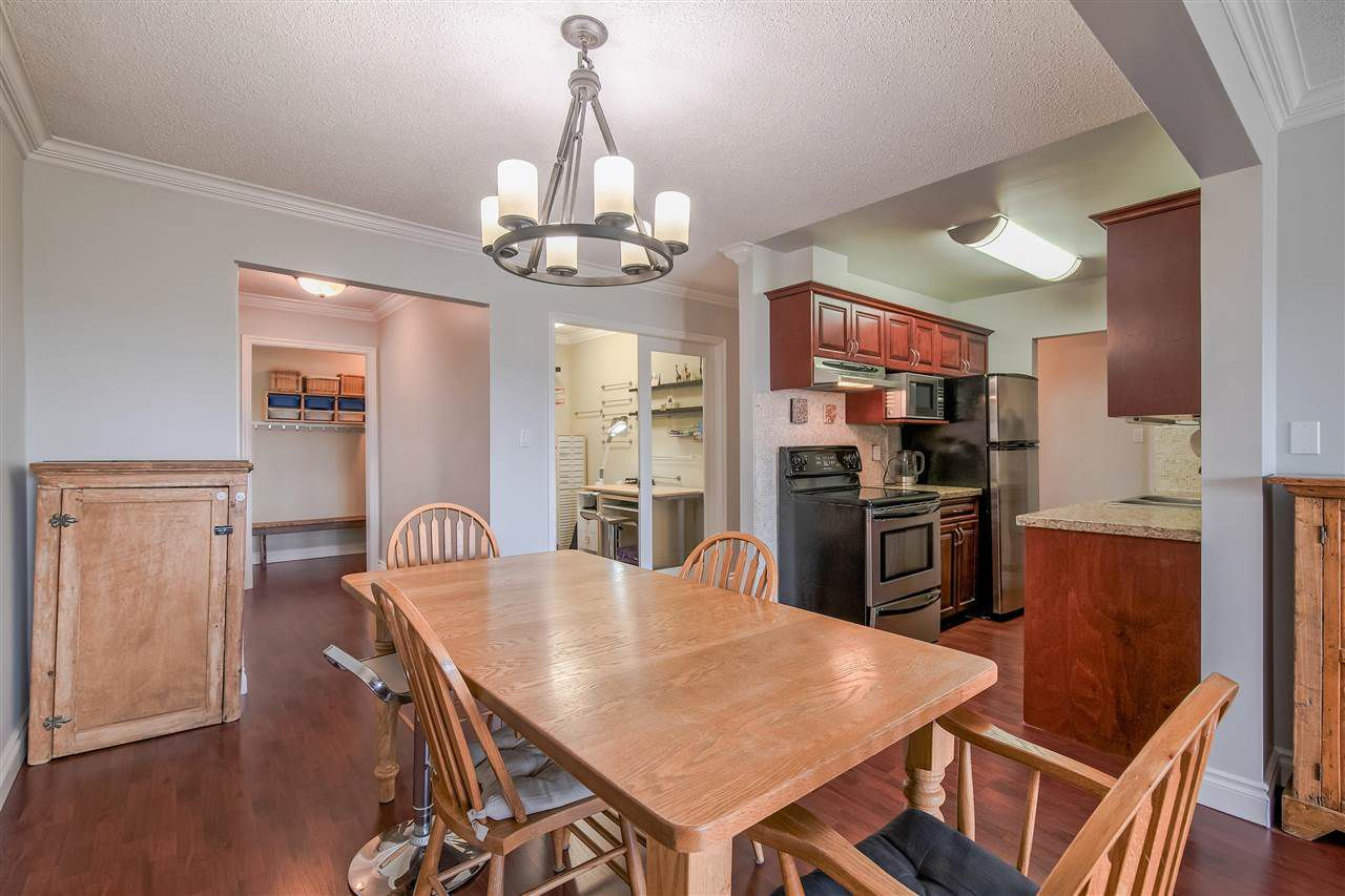 A full size dining room will let all your friends and family break bread together!