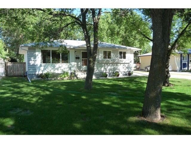 Main Photo: 83 Hammond Road in WINNIPEG: Charleswood Residential for sale (South Winnipeg)  : MLS®# 1115520