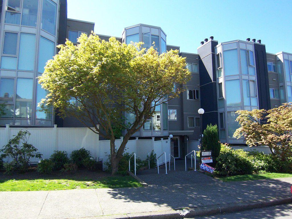 Main Photo: 208 2238 Eton Street in Vancouver: Downtown VE Condo for sale : MLS®# V993138