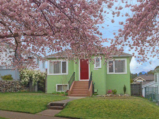 Main Photo: 3149 GRAVELEY Street in Vancouver: Renfrew VE House for sale (Vancouver East)  : MLS®# V1059398