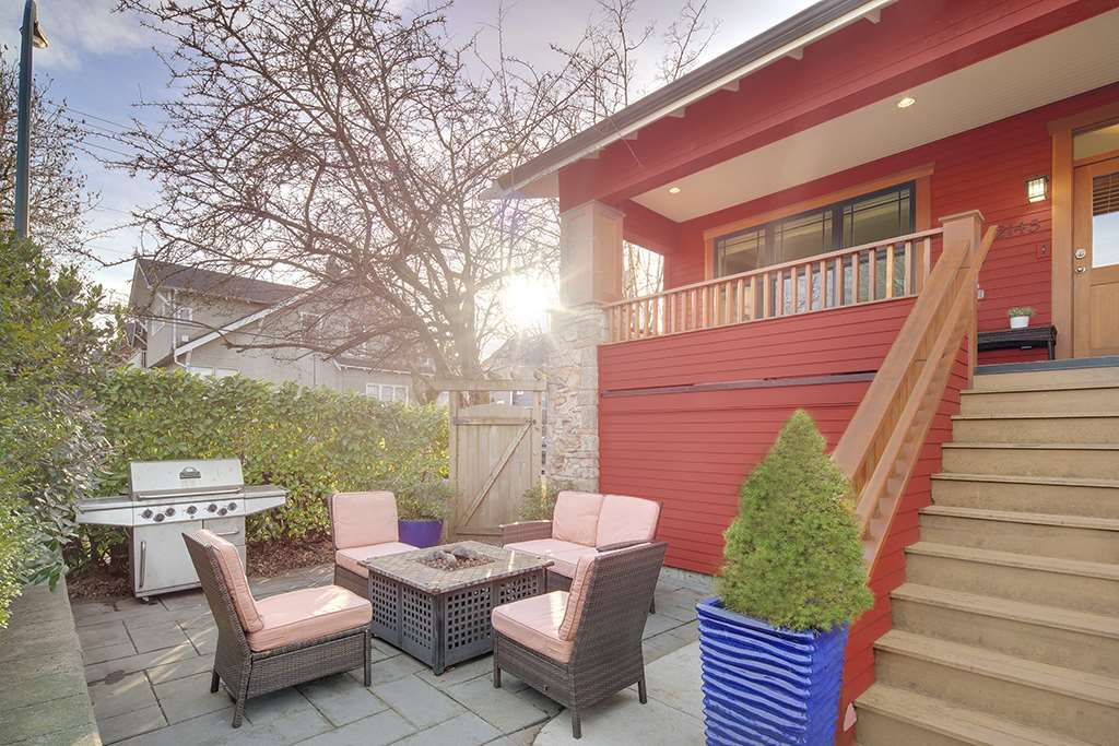 Main Photo: 2145 STEPHENS Street in Vancouver: Kitsilano House for sale (Vancouver West)  : MLS®# R2144916