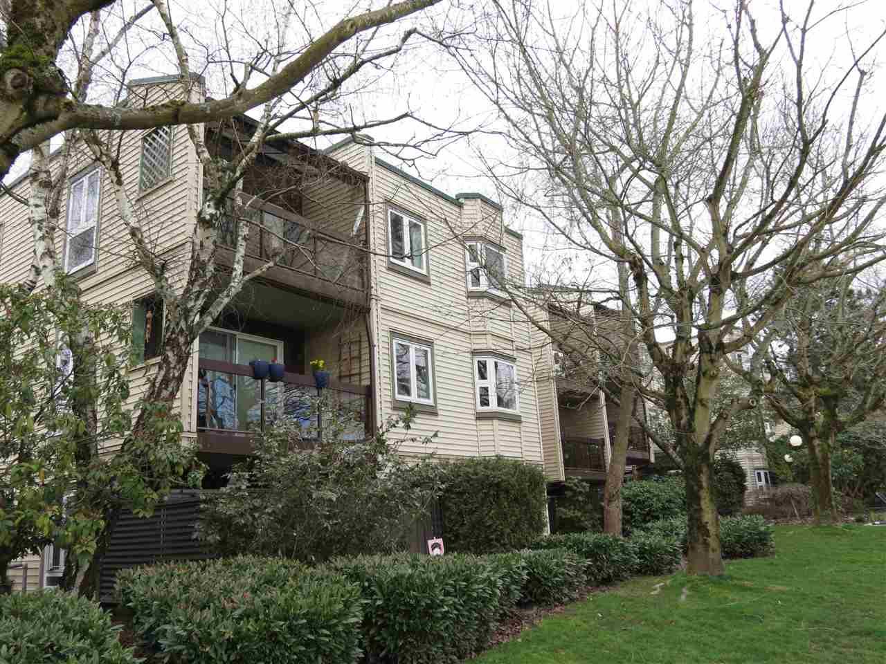 """Main Photo: 304 1429 E 4TH Avenue in Vancouver: Grandview VE Condo for sale in """"Sandcastle Villa"""" (Vancouver East)  : MLS®# R2149999"""