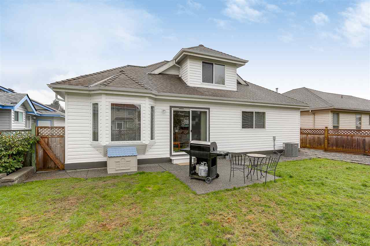 Photo 18: Photos: 12159 BLOSSOM Street in Maple Ridge: East Central House for sale : MLS®# R2152233