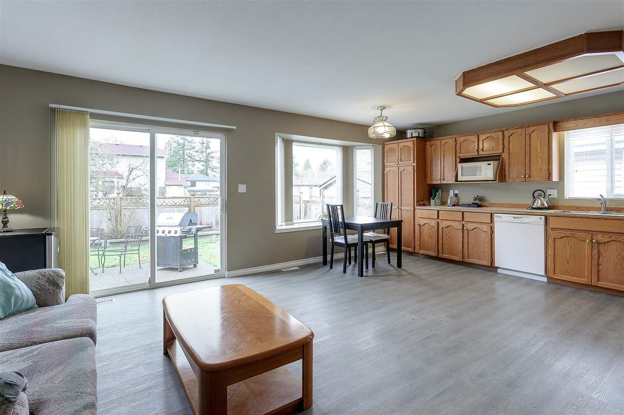 Photo 9: Photos: 12159 BLOSSOM Street in Maple Ridge: East Central House for sale : MLS®# R2152233