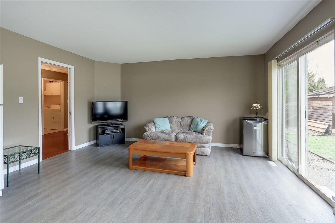 Photo 8: Photos: 12159 BLOSSOM Street in Maple Ridge: East Central House for sale : MLS®# R2152233