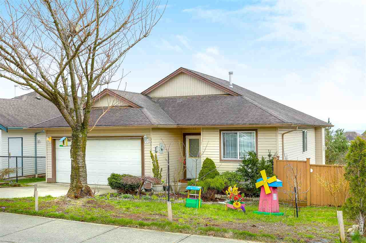 Main Photo: 33810 BLUEBERRY Drive in Mission: Mission BC House for sale : MLS®# R2155795