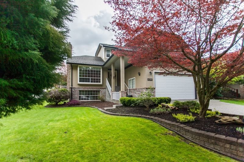 """Main Photo: 6244 E BOUNDARY Drive in Surrey: Panorama Ridge House for sale in """"BOUNDARY PARK"""" : MLS®# R2160293"""