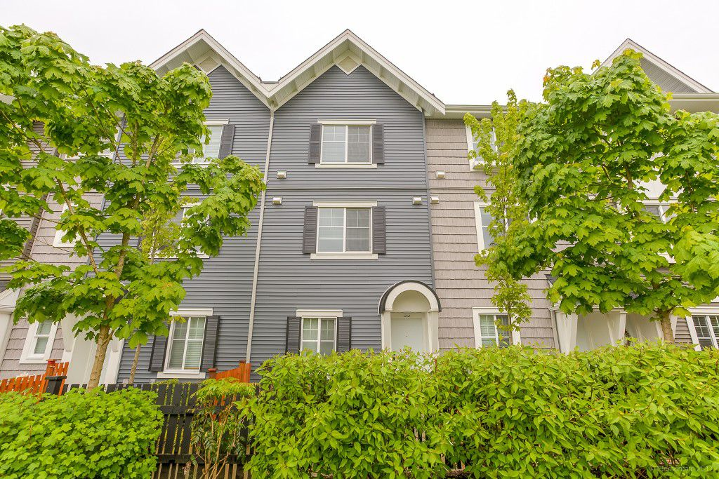 "Main Photo: 30 19128 65 Avenue in Surrey: Clayton Townhouse for sale in ""Brookside"" (Cloverdale)  : MLS®# R2166831"