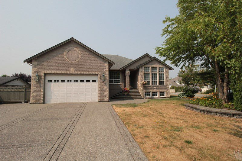 "Main Photo: 4623 224 Street in Langley: Murrayville House for sale in ""Murrayville"" : MLS®# R2208365"
