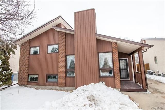 Main Photo: 62 Charbonneau Crescent in Winnipeg: Island Lakes Residential for sale (2J)  : MLS®# 1804492