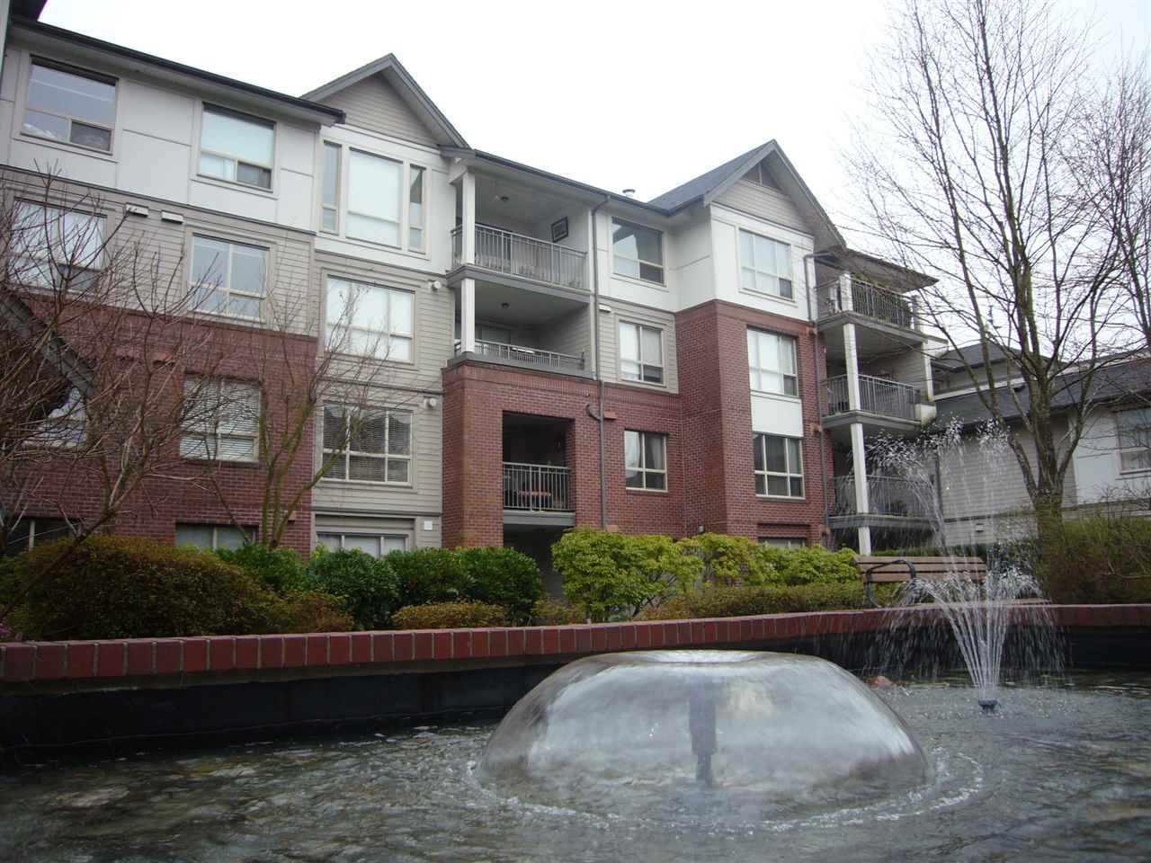 """Main Photo: 407 2167 152 Street in Surrey: Sunnyside Park Surrey Condo for sale in """"Muifield Gardens"""" (South Surrey White Rock)  : MLS®# R2251140"""