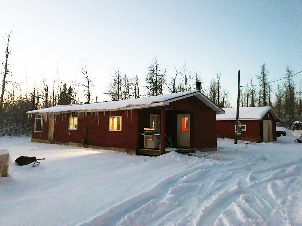 """Main Photo: 14845 SEQUOIA Street: Charlie Lake House for sale in """"EVERGREEN SUBDIVISION"""" (Fort St. John (Zone 60))  : MLS®# R2270038"""