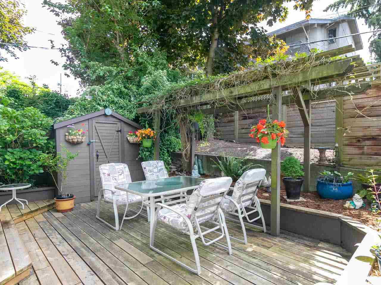 "Photo 3: Photos: 104 1516 CHARLES Street in Vancouver: Grandview VE Condo for sale in ""GARDEN TERRACE"" (Vancouver East)  : MLS®# R2295886"