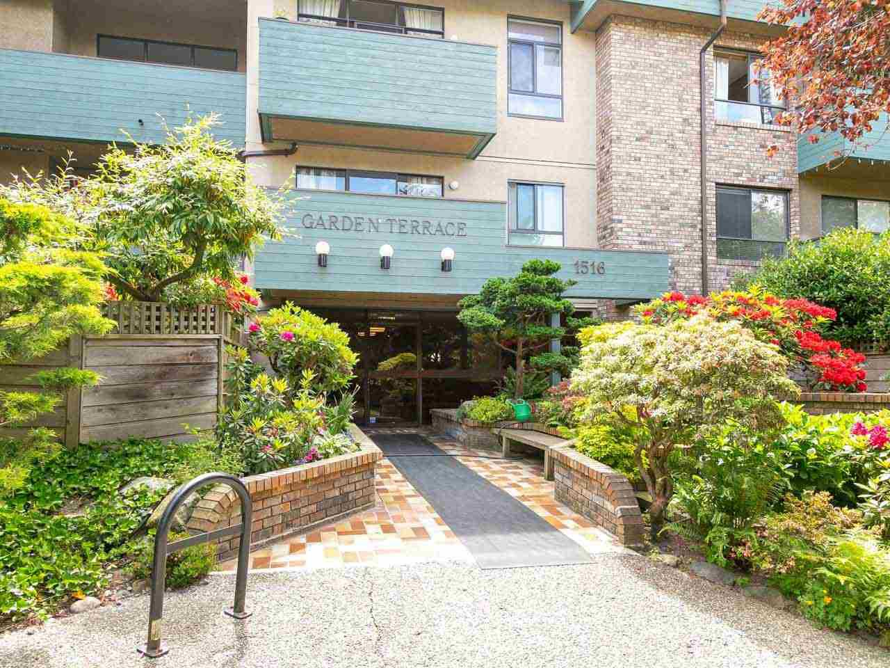 "Photo 1: Photos: 104 1516 CHARLES Street in Vancouver: Grandview VE Condo for sale in ""GARDEN TERRACE"" (Vancouver East)  : MLS®# R2295886"