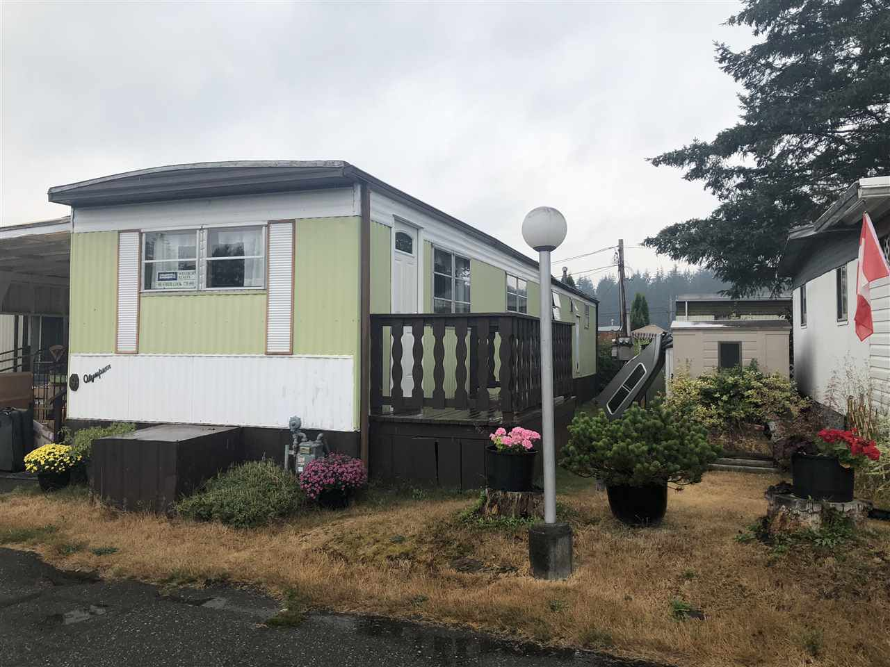"""Main Photo: 9 3031 200TH Street in Langley: Brookswood Langley Manufactured Home for sale in """"CEDAR CREEK ESTATES"""" : MLS®# R2300424"""
