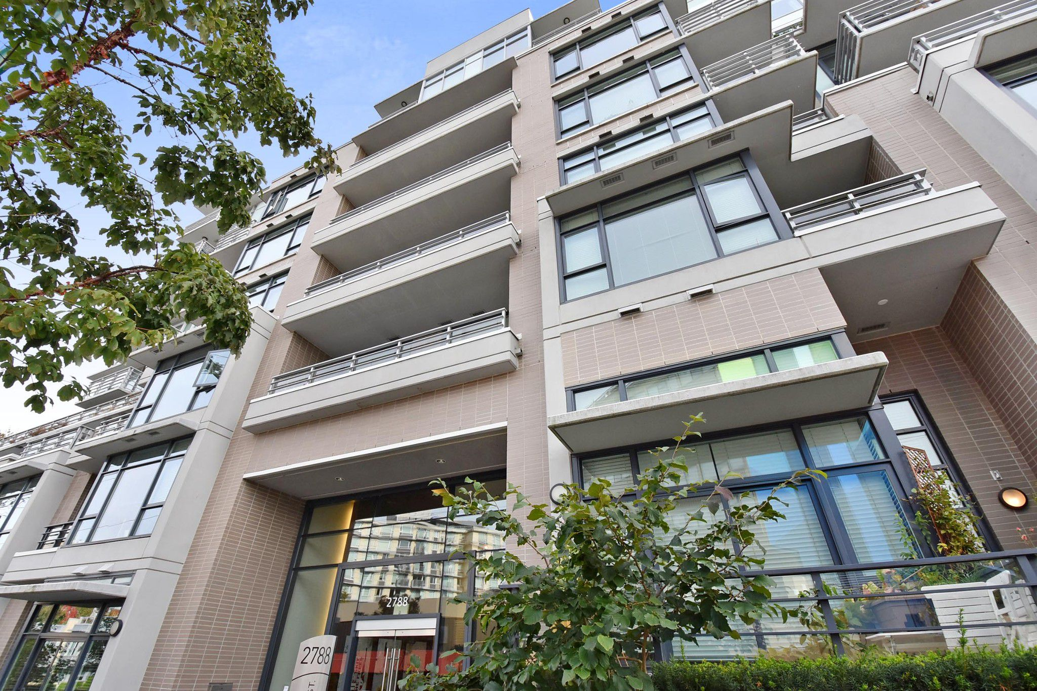 """Main Photo: 611 2788 PRINCE EDWARD Street in Vancouver: Mount Pleasant VE Condo for sale in """"UPTOWN"""" (Vancouver East)  : MLS®# R2312939"""