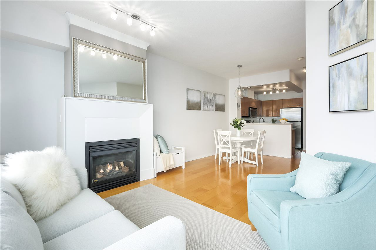 "Main Photo: 402 2268 REDBUD Lane in Vancouver: Kitsilano Condo for sale in ""ANSONIA"" (Vancouver West)  : MLS®# R2340515"