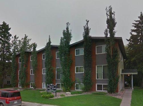 Main Photo: 105 10040 154 Street in Edmonton: Zone 22 Condo for sale : MLS®# E4148151