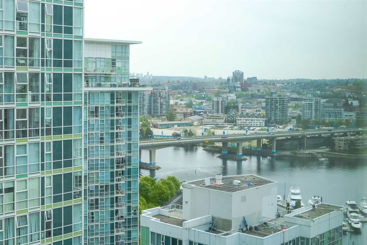 Main Photo: 2503 198 AQUARIUS Mews in Vancouver: Yaletown Condo for sale (Vancouver West)  : MLS®# R2370318