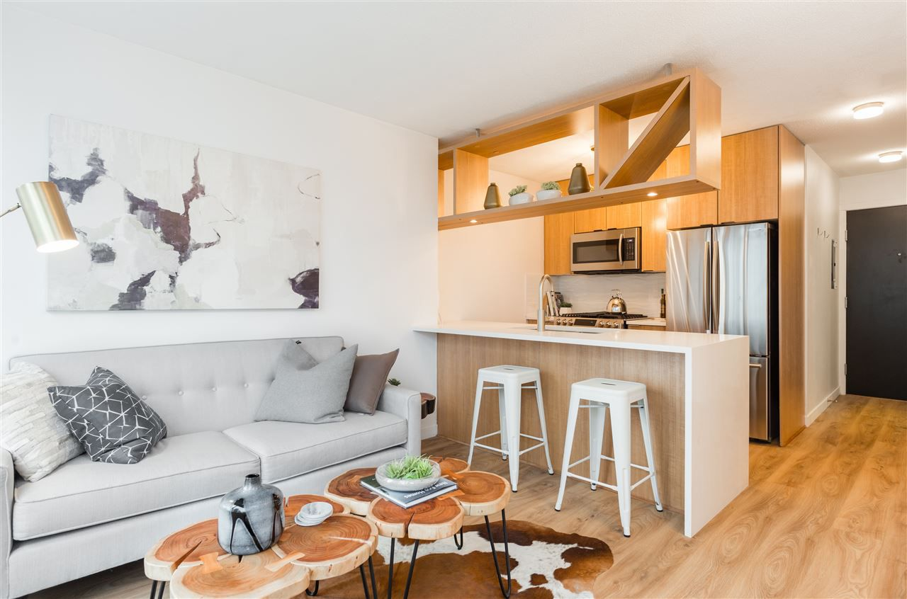 """Main Photo: 1805 1001 RICHARDS Street in Vancouver: Downtown VW Condo for sale in """"Miro"""" (Vancouver West)  : MLS®# R2378633"""