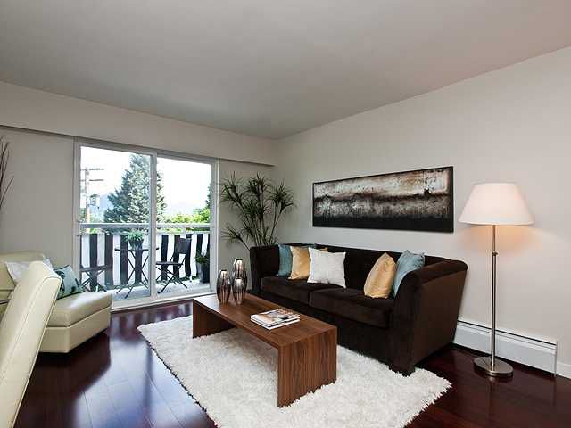"""Main Photo: 324 711 E 6TH Avenue in Vancouver: Mount Pleasant VE Condo for sale in """"Picasso"""" (Vancouver East)  : MLS®# V899204"""