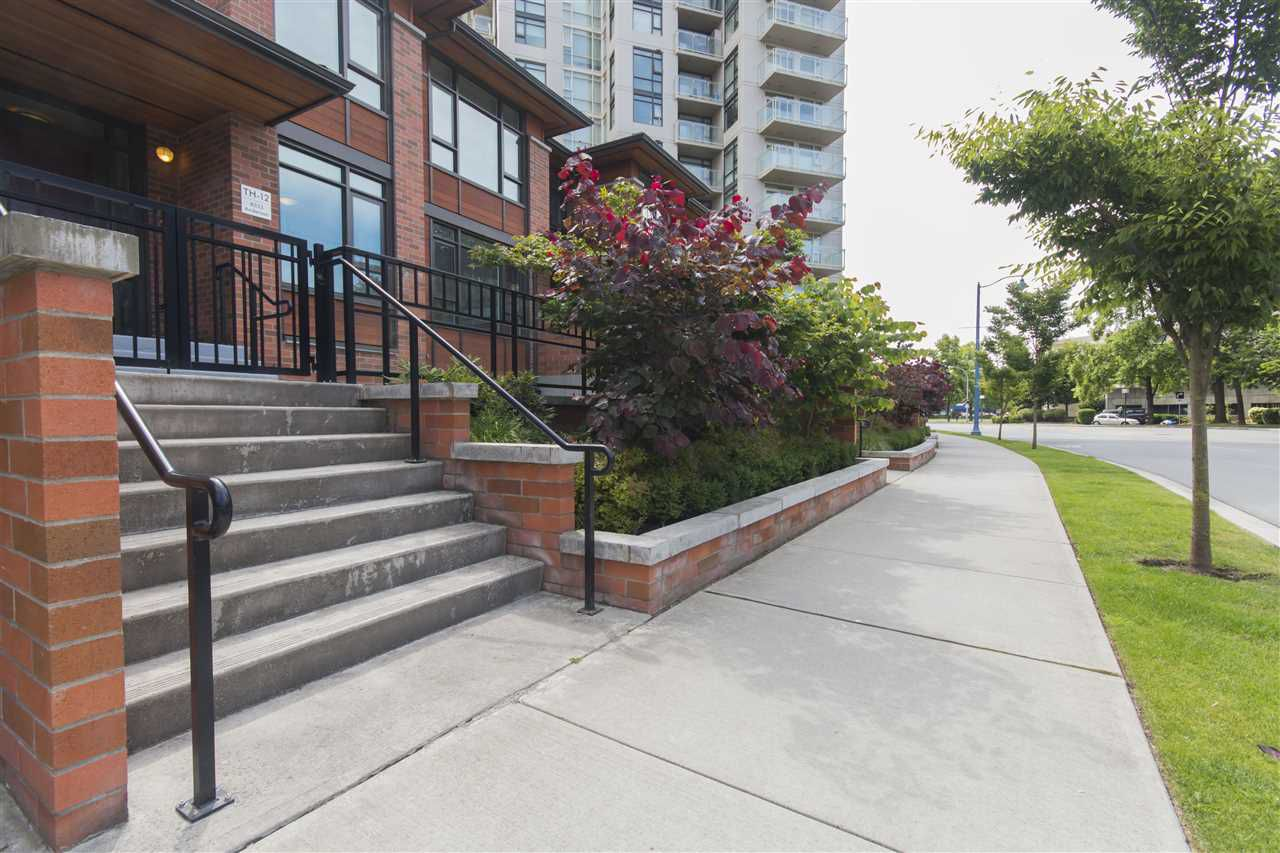 """Main Photo: TH12 8333 ANDERSON Road in Richmond: Brighouse Townhouse for sale in """"EMERALD"""" : MLS®# R2083644"""
