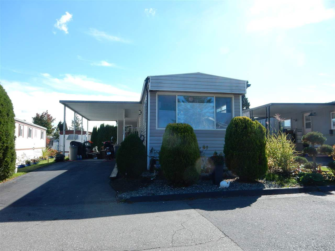 """Main Photo: 49 1840 160 Street in Surrey: King George Corridor Manufactured Home for sale in """"Breakaway Bays"""" (South Surrey White Rock)  : MLS®# R2115756"""