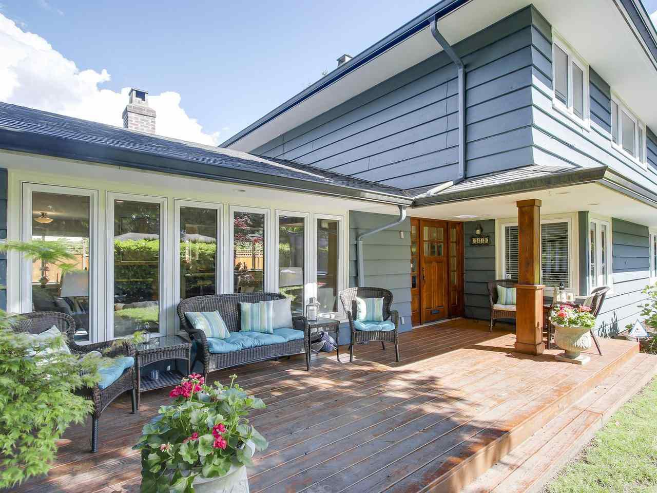 Main Photo: 3440 BLUEBONNET Road in North Vancouver: Edgemont House for sale : MLS®# R2184708