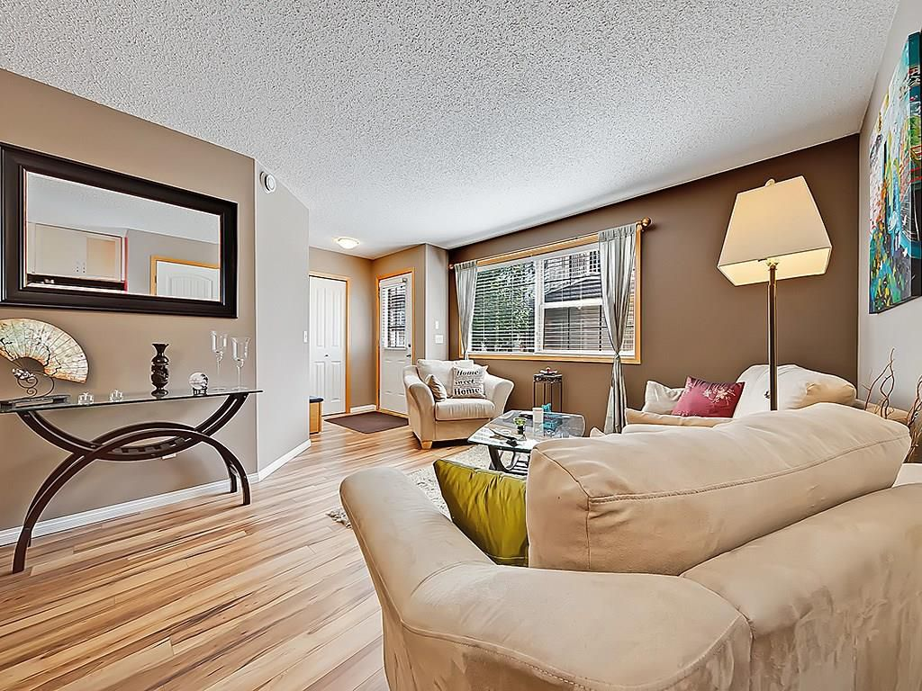 Main Photo: 101 15 EVERRIDGE Square SW in Calgary: Evergreen House for sale : MLS®# C4131530