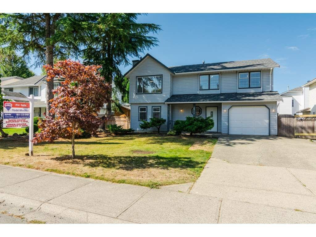 "Main Photo: 8917 213 Street in Langley: Walnut Grove House for sale in ""Walnut Grove - James Kennedy"" : MLS®# R2204903"