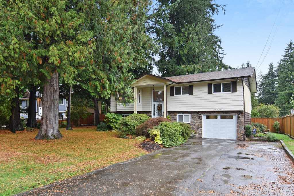 """Main Photo: 20723 38A Avenue in Langley: Brookswood Langley House for sale in """"Brookswood"""" : MLS®# R2214284"""